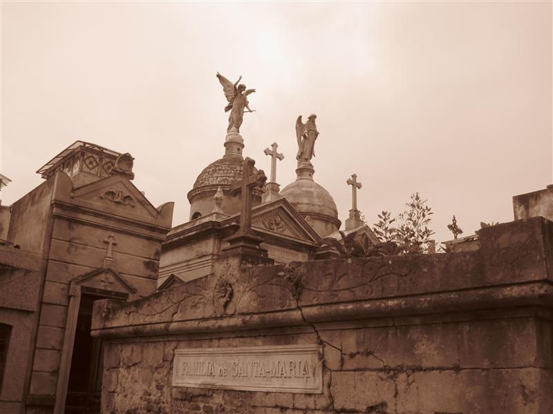 Ahhhh..... Sepia. The only way to photograph a cemetery.