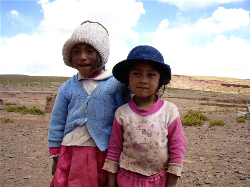 Local bolivian children