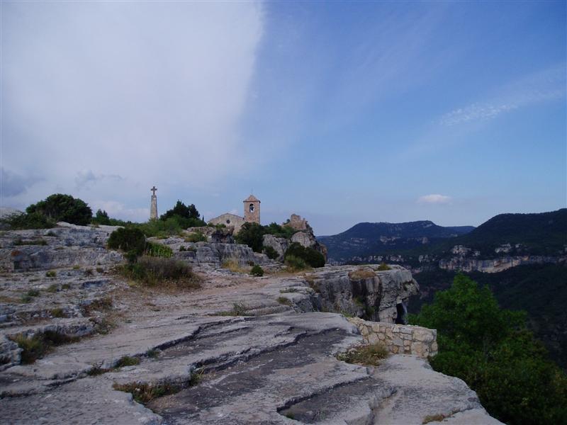 Siuriana village overlooking climbing area
