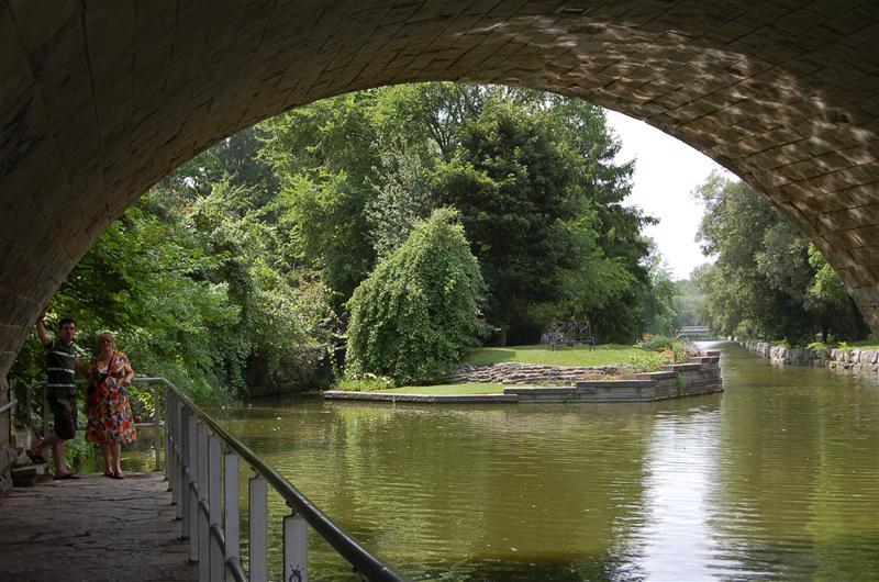 Avon by Shakespeare Gardens