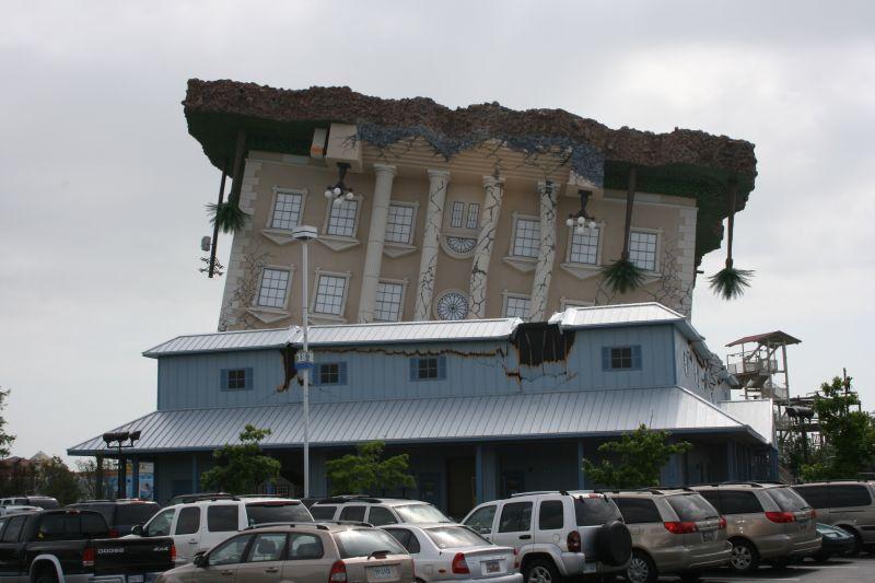 Ecdizabi Upside Down House In Florida