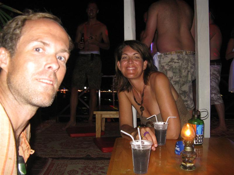 Tim and Jen share a drink at the Full Moon Party