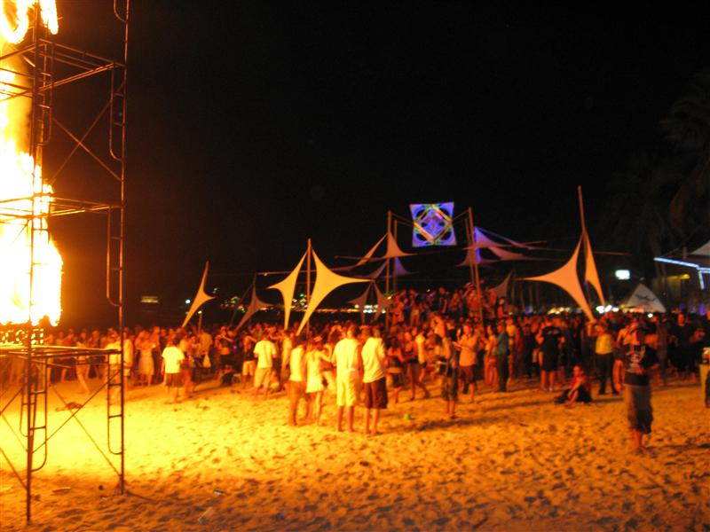 Party people feeling the heat at Hat Rin beach