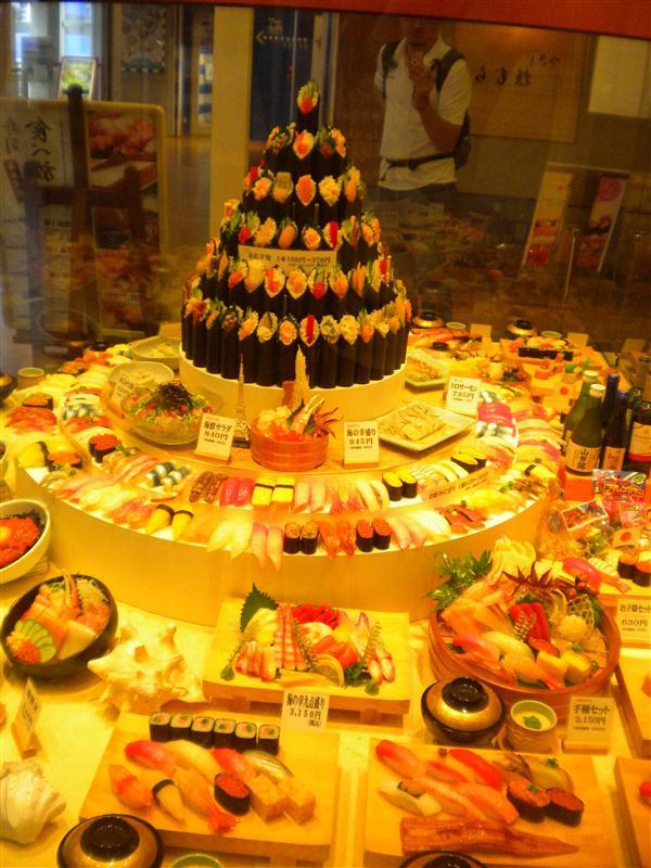 Sushi windowshopping (Odaiba)