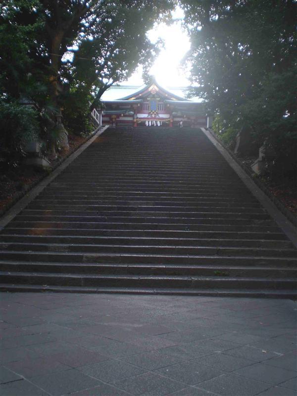 M- stairs to Hie-jinja