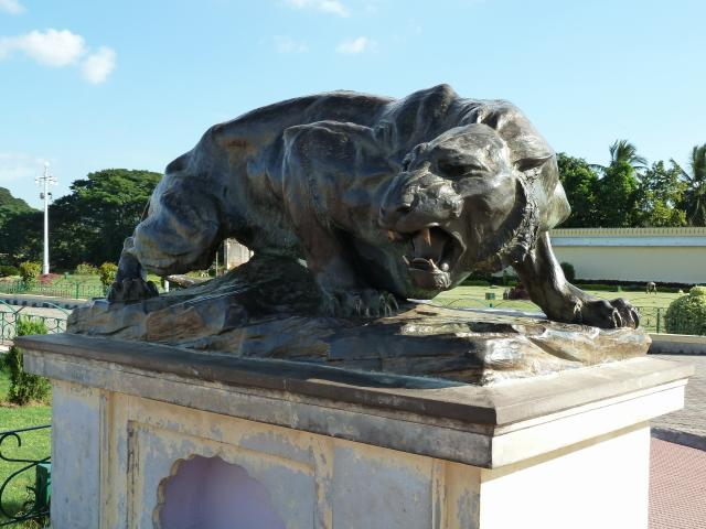 a tiger monument