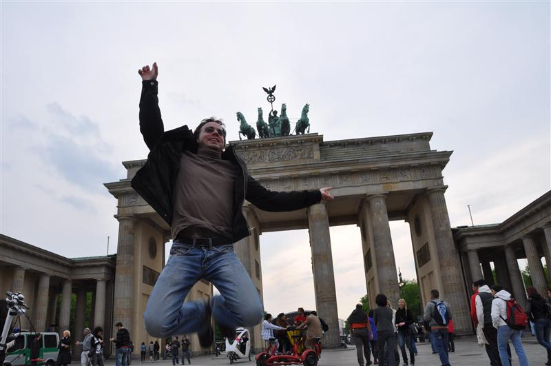 Jumping in front of the Brandenburg Gate