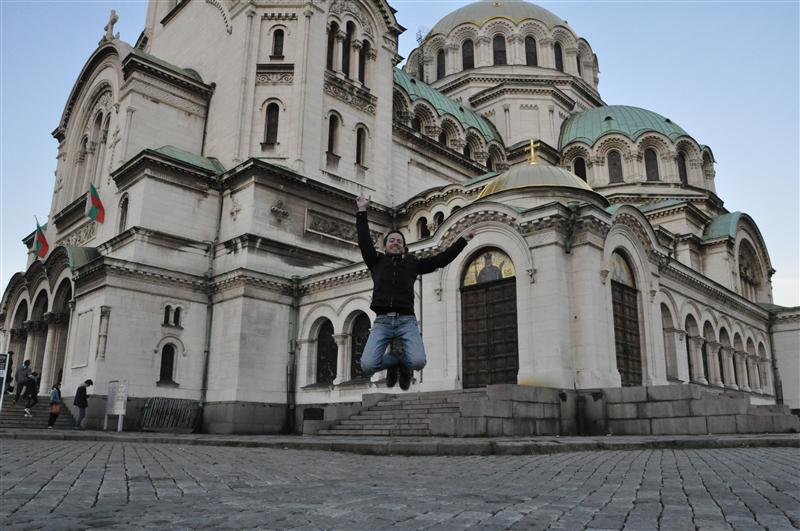 Jumping in front of Alexandre-Nevski Cathedral