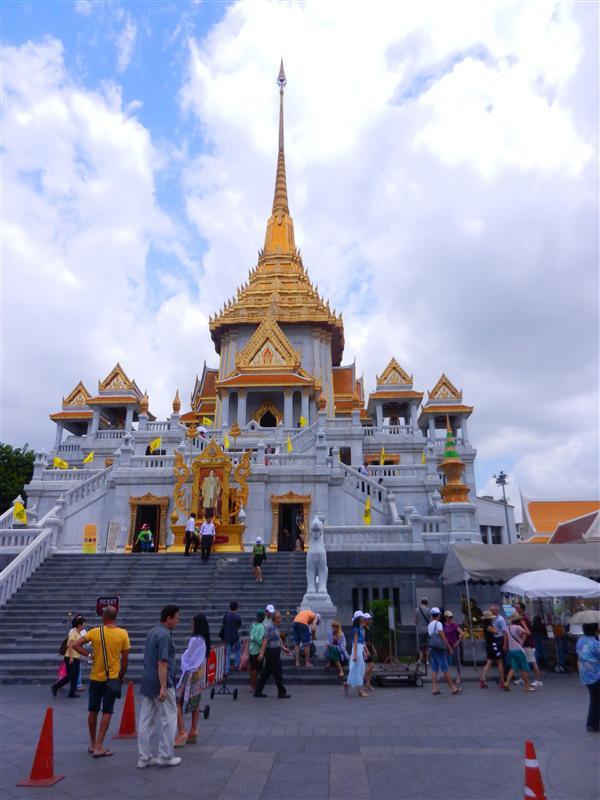 The Golden Buddha, Wat Triamit