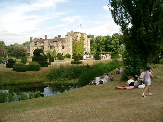Hever Castle &amp; Gardens