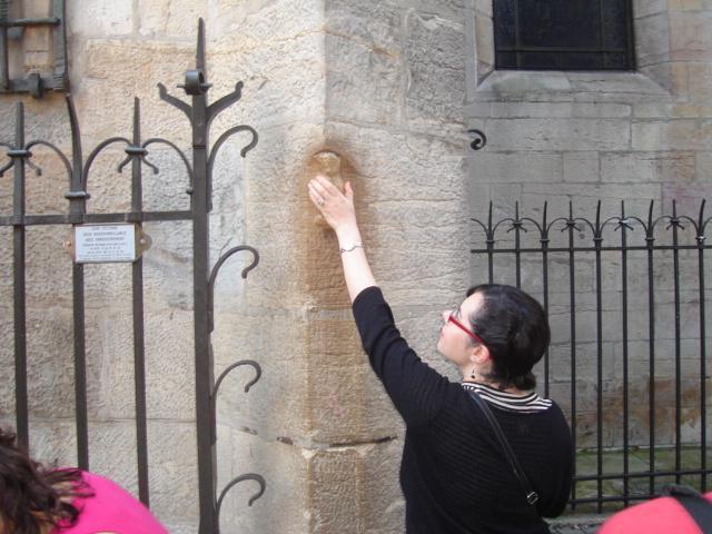 Jane making a wish on le petite couhette