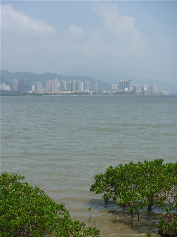 Sha Tau Kok, boundary town from Luk Keng Road