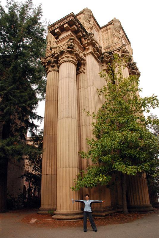 more pillars @ palace of arts
