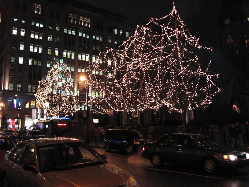 Weird Christmas tree lights