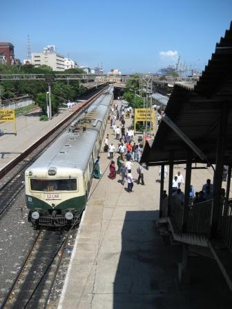 Chennai Beach Station, so sehen indische S-Bahnen aus