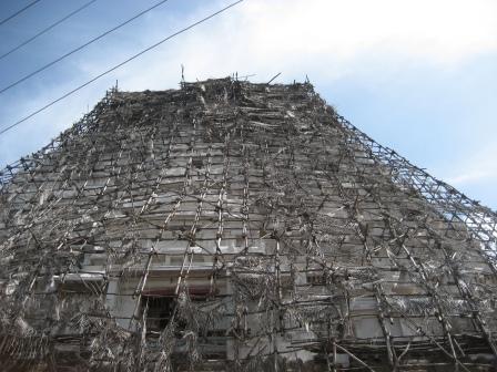 der eingerüstete Varadarajaperumal-Tempel