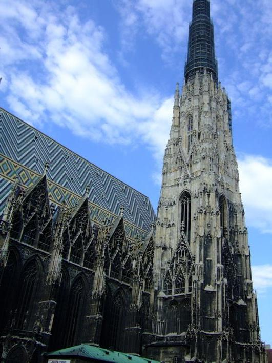 Stephens Dom - it is actually waaaaay bigger than it looks in d photo
