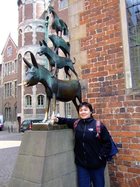 The Bremen Musicians! it's a belief that if u hold the leg of d donkey n make a wish, it will come true.