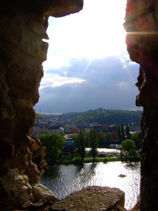 view fr a stone window in Vys?ehrad