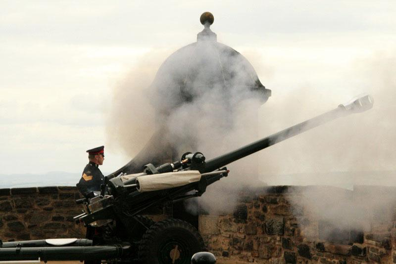 Firing of the one o'clock gun