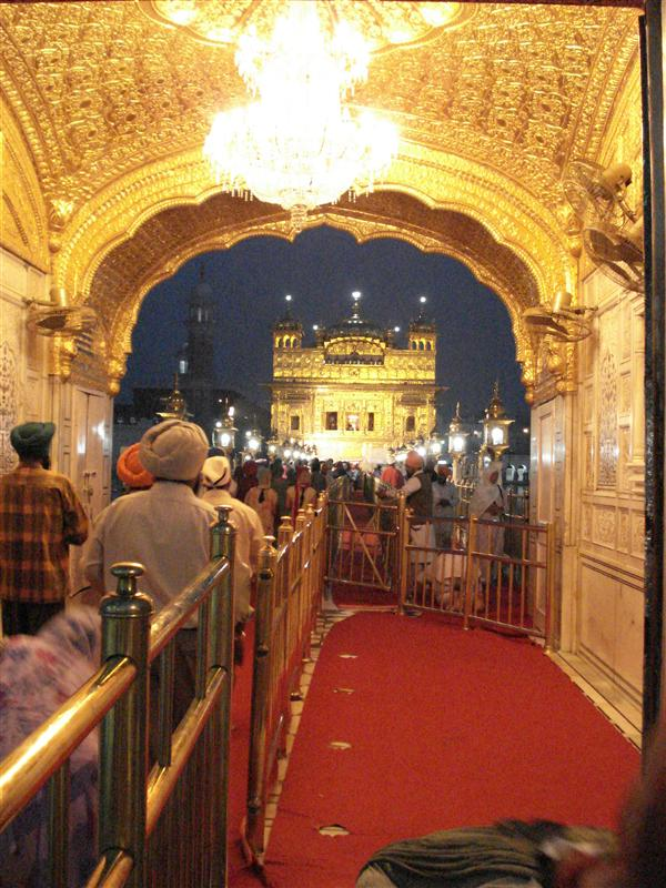 Waiting to cross the bridge to the Golden Temple