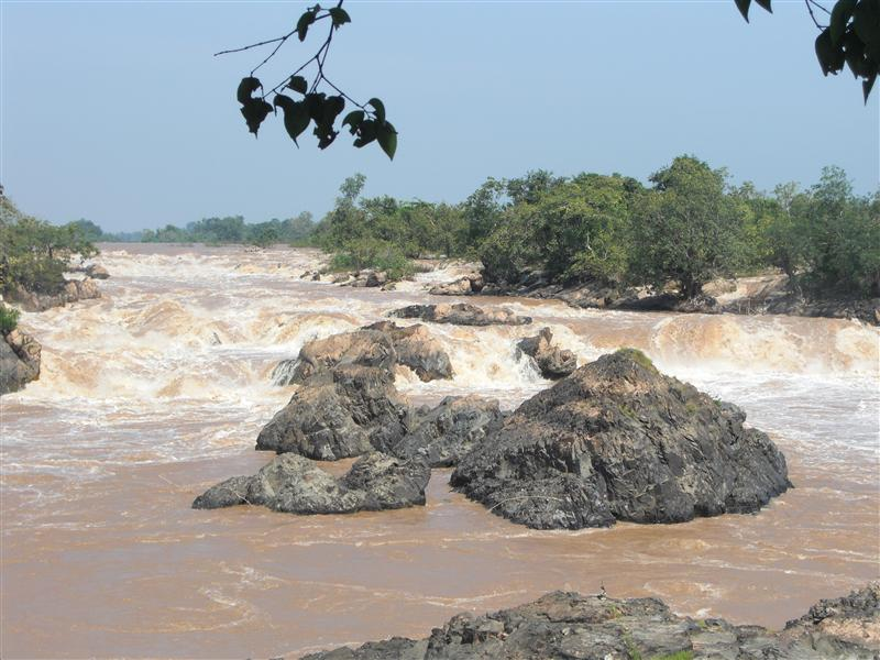 Los rápidos del Mekong... de cerca acojonan