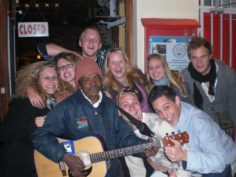 Friends with guitar man at Lang Street