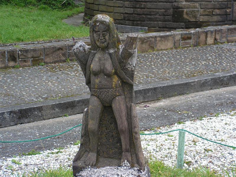 Statue no arms