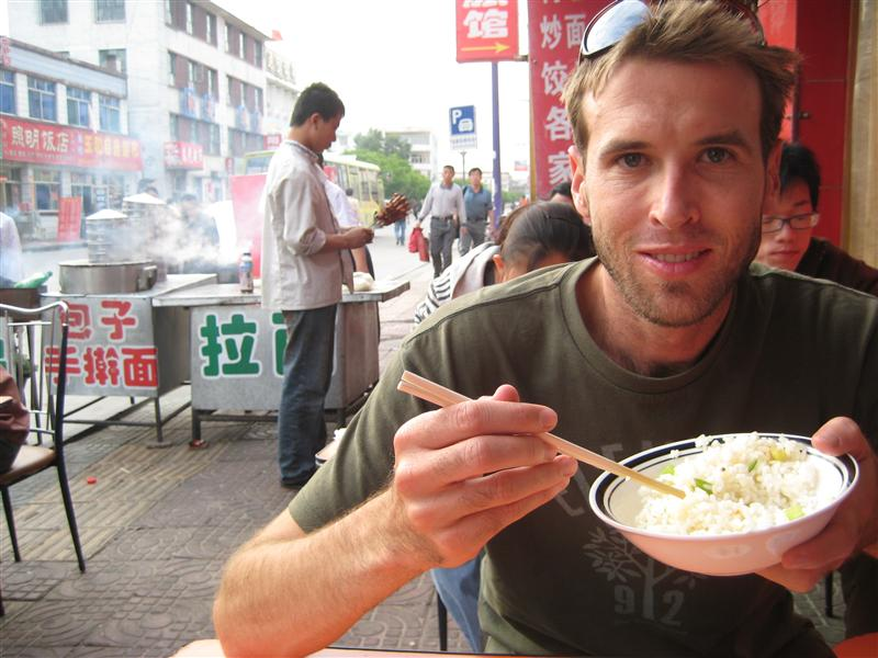 dinner time on the pavement in dirty datong