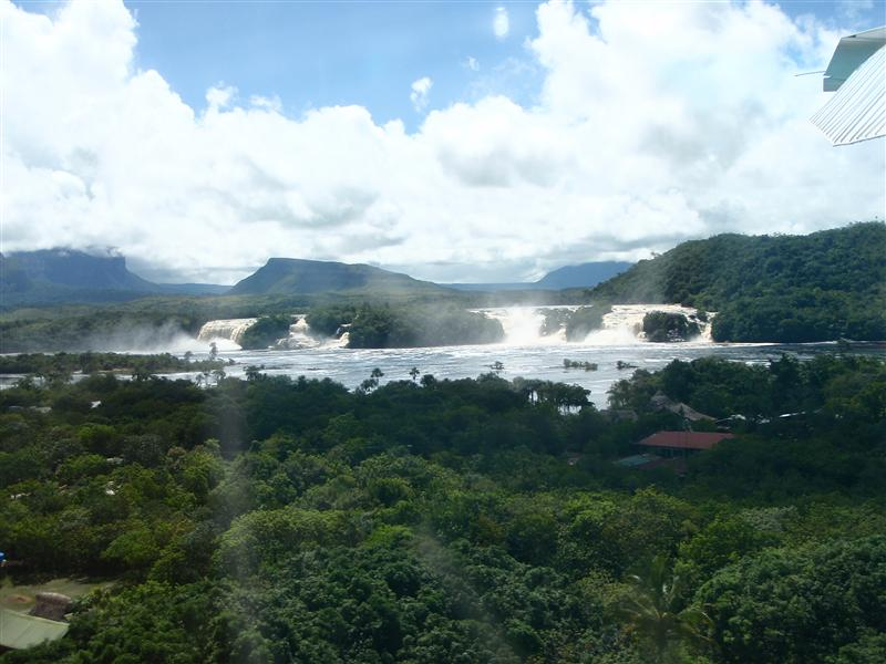 Laguna de Canaima: Ucaima, Wadaima, and Hacha waterfalls